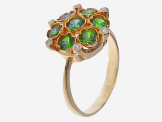 Кольцо из золота 750* пробы с демантоидами и бриллиантами